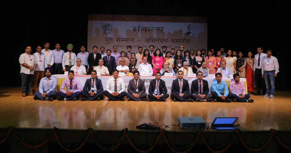 Toppers' Interaction With Students